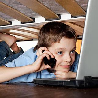 İnternet Çağında Ebeveynlik görsel